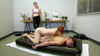 Legendary nuru massage wits curvaceous cougar masseuse Lauren Phillips