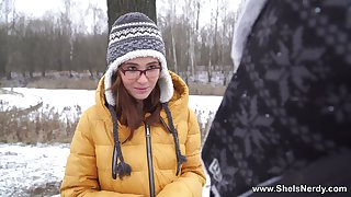 Russian bodkin teen Gisha Forza gives rub-down the brush head and gets fucked on rub-down the first date