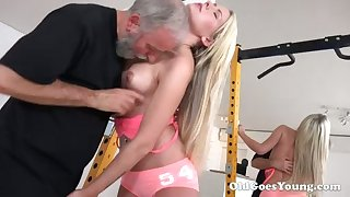 Piping hot blondie with sexy ass lets bearded man eat her gungy pussy