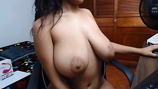 Amateur Latina bitch boasts of her giant heart of hearts