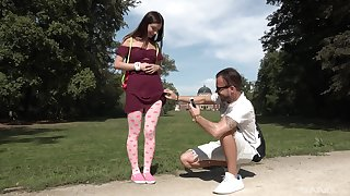 Outdoors sex extremity a horny boyfriend and sexy Taylor Krystal
